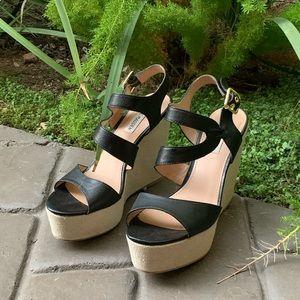 "STEVE MADDEN ""March"" Wedge Sandal. Size 8 1/2"